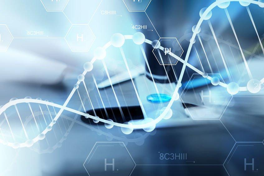 Eine weiße DNA-Doppel-Helix auf einem blau-grau-schwarzem Hintergrund.